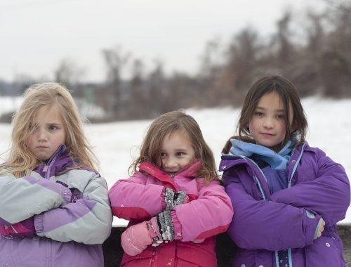 3 piger i flyverragter