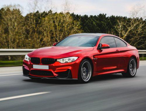 BMW M3 i rød farve